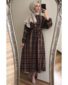 ✔ Dress Vintage Casual Chic Source by clothes hijab Modern Hijab Fashion, Hijab Fashion Inspiration, Muslim Fashion, Modest Fashion, Fashion Dresses, High Street Fashion, Mode Abaya, Hijab Look, Hijab Trends
