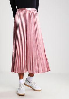 premium selection ca123 1871f Köp TFNC Veckad kjol - taupe för 389,00 kr (2017-05-