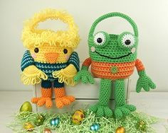 Crochet Phone Case Chick and Frog Easter Baskets - Amigurumi Crochet Pattern - Mobiles En Crochet, Crochet Mobile, Crochet Amigurumi, Amigurumi Doll, Amigurumi Patterns, Crochet Toys, Knitting Patterns, Peacock Crochet, Crochet Phone Cases