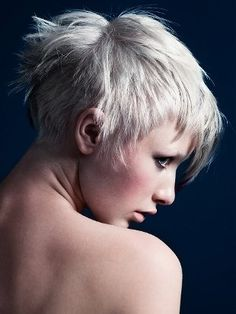 Pixie Haircuts for Round Faces - Struggling to find the ideal pixie cuts for round faces? Try the following tips to find the best haircut for you.