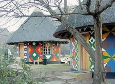 Nestled in the rolling foothills of the Maluti Mountains of the north eastern Free State lies the Golden Gate Highlands National Park. Mud House, Tiny House Loft, Tiny Houses, Thatched House, Thatched Roof, Park Resorts, Loft Room, Castle House, Unusual Homes