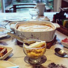 Postre de manzana Cooking Bread, Flan, Dessert Recipes, Desserts, Sin Gluten, Camembert Cheese, Mousse, Bakery, Food And Drink