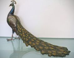 Vienna Bronze figure of a peacock signed Bergmann, half century Sculpture Art, Sculptures, Feather Crown, Vienna, Peacock, Bronze, Antiques, Color, Beautiful