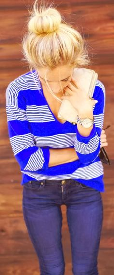 Charming blue linning shirt with clutch