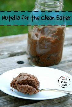 That's right - paleo nutella!!!! The perfect, easy treat for any occasion!