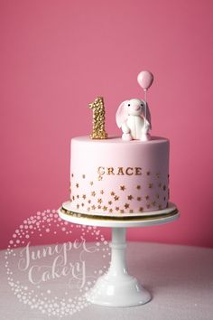 Bunny cake by Juniper Cakery Bunny Cake von Juniper Cakery 1st Birthday Cake For Girls, Baby Birthday Cakes, 1st Birthday Cakes, Birthday Ideas, Teen Birthday, Girly Cakes, Cute Cakes, Rabbit Cake, Celebration Cakes