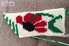 Ayçiçeği Tunus İşi Patik Modeli Yapımı - Canım Anne Pot Holders, Socks, Blanket, Crochet, Anne, Crochet Hats, Punto De Cruz, Dots, Slipper