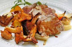Vildsvin med rötter, svamp och sky - Matrecept - Göteborgs-Posten Swedish Recipes, Venison, Sweet Tooth, French Toast, Pork, Cooking Recipes, Meat, Breakfast, Dinners