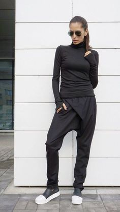 NEW Collection Loose Casual Black Drop Crotch Harem Pants / Extravagant Cotton Black Pants/Unisex pants / Side Pockets by AKASHA This gorgeous comfortable black drop crotch pants will be your Must have garment for the new season. Look Fashion, Fashion Outfits, Fashion Rings, Mode Cool, Mode Shoes, Drop Crotch Pants, All Black Outfit, Mode Inspiration, Black Pants