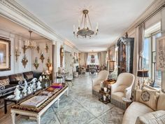 Tour a Luxurious Apartment on Manhattan's Upper East Side - Luxury Apartment New York Apartments, Luxury Apartments, Luxury Homes, Upper East Side, New York Architecture, Interior Architecture, Interior Design, Manhattan, Leather Wall Panels