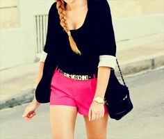 Trendy how to wear pink shorts street styles ideas Hot Pink Shorts, Summer Shorts, Bright Shorts, Casual Outfits, Cute Outfits, Summer Outfits, Summer Dresses, Look Fashion, Womens Fashion