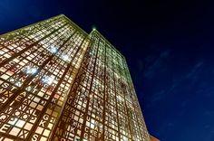 Sorprendentemente único, un edificio que es un crucigrama gigante...