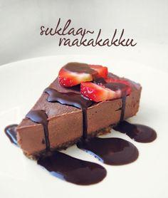 Oho taisin onnistua tekemään ihan älyttömän hyvää suklaaraakakkua!   Raakakakkujen kohdalla hyvä nyrkkisääntö: kun seos on niin hyvää e... Vegan Treats, Healthy Treats, Healthy Food, Raw Chocolate Cake, Good Bakery, Raw Cake, Salty Foods, Vegan Cheesecake, Raw Desserts