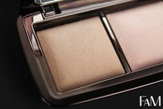 Hourglass Ambient Lighting Powder Palette - Swatches and Review | Futilities And More http://futilitiesandmore.blogspot.ca/2013/10/hourglass-ambient-lighting-powder.html #hourglass #ambientlightingpowder #makeup #review #dimlight #radiantlight #incandescentlight Hourglass Cosmetics