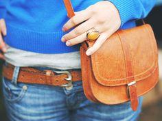 Leder ist empfindlich und kann schnell abgenutzt aussehen. Wir haben Basic-Tricks für die Taschenpflege für euch, mit denen ihr lange etwas von eurer Ledertasche habt.