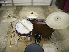 Suitcase Drum Set...I need to make one of these....I have everything needed.