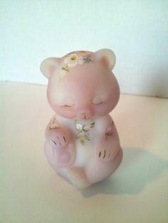"Fenton Burmese Bear ""Circle of Love"" / eBay"