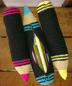 New crochet kids purse girls free pattern 67 Ideas Crochet Pencil Case, Crochet Case, Crochet Purses, Crochet Gifts, Crochet Toys, Knit Crochet, Kids Knitting Patterns, Kids Patterns, Purse Patterns