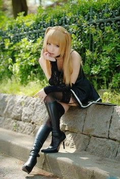 Great Misa Amane Cosplay.