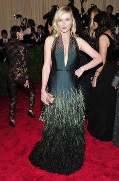 Kirsten Dunst en la alfombra roja de la gala MET 2013 en Nueva York