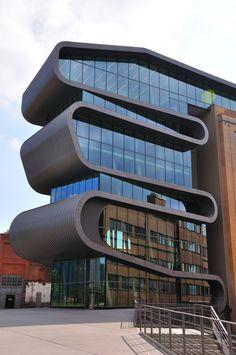 Het Umicore gebouw in Antwerpen. Een fraai staaltje design bij onze Belgische zuiderburen. #design #architectuur