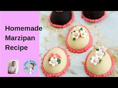 Marzipan or almond paste is an absolute treat. This simple, easy and effortless recipe for homemade marzipan takes 5 mins and needs no special equipment Easter Candy, Easter Treats, Easter Eggs, Christmas Treats, Christmas Baking, Christmas Goodies, Homemade Marzipan Recipe, Marzipan Fruit, Sicilian Recipes