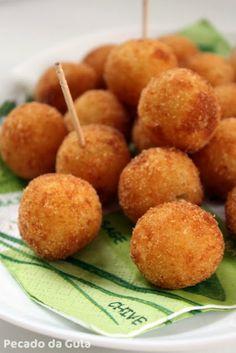 PECADO DA GULA: Bolinha de queijo com massa de batata