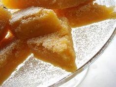 Amerikai citromkrémes szelet (lemon bar)   Chili és Vanília Lemon Bars, Chili, Good Food, Peach, Sweets, Candy, Baking, Fruit, Chile