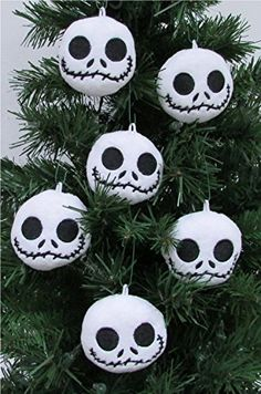 Unique Shatterproof Plastic Design Pumpkin King Jack Skellington Nightmare Before Christmas Holiday Ornament Set Featuring Jack Friends