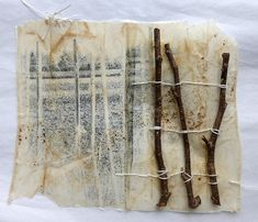 mit Stöcken und Zweigen - with sticks and twigs Tea Bag Art, Tea Art, Collages, Altered Books, Altered Canvas, Mixed Media Collage, Collage Art, Coffee Filter Art, Mixed Media