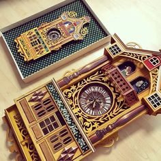 Instagram media daria486 - twins. <Au Hibou Fou>. Left is the  illustrated version(watercolor) and right is the huge clock version. 6월2일부타 26일까지 평창동 가나아트센터1층 가나아트에디션에서 <Timepiece>라는 주제로 개인전합니다 놀러오세요:-) #다리아쏭 #송지혜작가 #가나아트센터 #6월전시회 #가볼만한전시회 #평창동전시회 #예쁜그림 #동화 #섬유예술 #미술 #젊은작가 #시계 #드로잉 #수채화 #일러스트