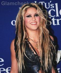 rockstar hair ideas from keshini hair Shakira Hair, Black To Blonde Hair, Shoulder Hair, Hair Creations, Hair Color And Cut, Hair Inspo, Halloween Makeup, Braided Hairstyles, Hair Care