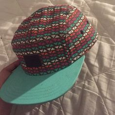 Vans Tribal Print SnapBack Never worn! cute for the summer, for guys or girls. Vans Accessories Hats