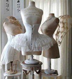 Shabby Chic corsets and antique mannequins Corset Vintage, Vintage Mannequin, Vintage Lingerie, Victorian Corset, Victorian Era, Vintage Underwear, Victorian Dresses, Edwardian Era, Vintage Outfits