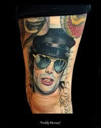 freddie mercury tattoo - Cerca con Google Freddie Mercury Tattoo, Queen Videos, Mirrored Sunglasses, Mens Sunglasses, Beautiful Tattoos, Google, Fashion, Moda, Fashion Styles