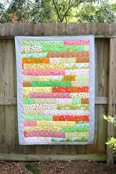 Briar Rose Strip Quilt Tutorial | All hail this princess-worthy quilting tutorial!
