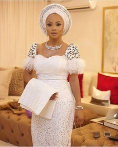 Slayonce @tokemakinwa #asoebispecial #asoebi #speciallovers #makeup #wedding