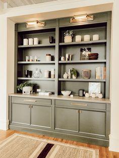 Stoffer Home – Visit Grand Rapids Built In Shelves Living Room, Bookshelves Built In, Bookcases, Dining Room Shelves, Built In Cabinets, Office Cabinets, My Living Room, Home And Living, Home Office Design
