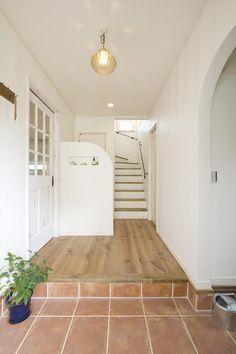 玄関/玄関ホール/シューズクローク/シューズインクローゼット/階段/インテリア/ナチュラルインテリア/注文住宅/施工例/ジャストの家/entrance/interior/house/homedecor/housedesign Room Interior, Interior And Exterior, Interior Design, House Stairs, Japanese House, House Rooms, Ideal Home, House Plans, New Homes