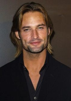 Josh Holloway as Sawyer on Lost. Love the way he looks intensely at everyone. Gorgeous Men, Beautiful People, Serie Lost, Josh Holloway, Dream Guy, Dimples, American Actors, Actors & Actresses, Sexy Men