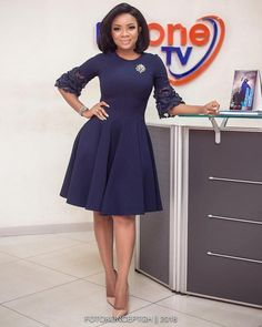 Serwaa Amihere Style: 15 Work Outfit Ideas From The Beautiful GHOne TV Presenter. Serwaa Amihere Style: 15 Work Outfit Ideas From The Beautiful GHOne TV Presenter - Serwaa Amihere work outfit, Office Flay Gown Source by thrivenaija . Corporate Wear, Corporate Dresses, Classy Work Outfits, Classy Dress, Outfit Work, Mode Outfits, Office Outfits, Casual Office, Office Set