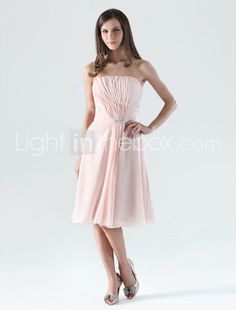 Sheath/ Column Strapless Knee-length Chiffon Bridesmaid/ Cocktail Dress. $89.99