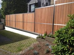 Hoge on demand Fences stainless steel, bankirai- wood, LED