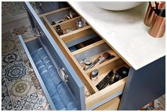Internal drawer dividers keep accessories neat and tidy #Roseberry #paintedtimber #bathroomfurniture #myutopia