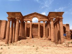 ISIS militants have begun destroying the ruins of the ancient city of Hatra in Iraq, Kurdish sources say. Hatra was founded in Roman Architecture, Ancient Architecture, Persian Architecture, Ancient Buildings, Ancient Ruins, Ancient Rome, Cradle Of Civilization, Travel Tours, Archaeological Site