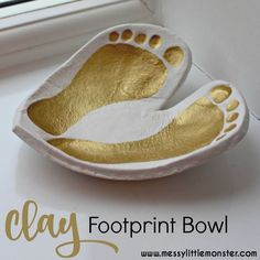 DIY clay Footprint Bowl Keepsake. A perfect DIY kid made gift created from air drying clay. Use prints from babies, toddlers and preschoolers, or even older children to create this cute footprint craft.