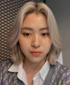 Asian Short Hair, Hair Icon, Shot Hair Styles, Aesthetic Hair, Hair Color Balayage, I Love Girls, Woman Crush, Hair Inspo, Girl Crushes
