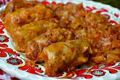 Sarmale in foi de varza, la slow cooker - imagine 1 mare Vegan Recipes, Cooking Recipes, Vegan Food, Happy Vegan, Romanian Food, I Want To Eat, Food Illustrations, Kraut, Tandoori Chicken