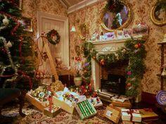 Miniature Christmas preparations, trimming the tree. Feliz Navidad - Aleson miniaturas