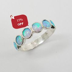 Opal ring. Chic sterling silver ring design door STarLighTstudiO3